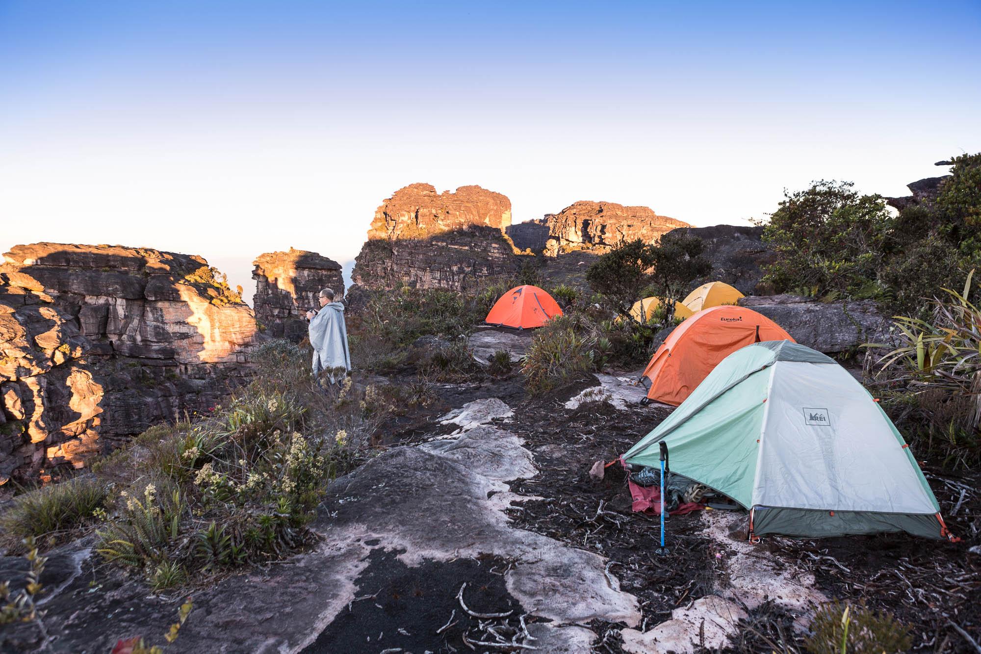 Auyantepui - No topo das quedas do anjo, Parque Nacional Canaima, Os primeiros exploradores
